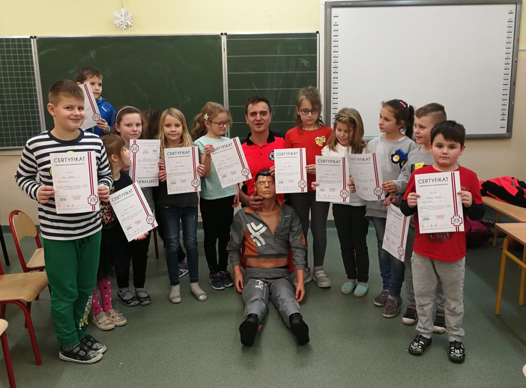 Ratownik medyczny w przedszkolu w Szkole Podstawowej nr 3 w Jelczu-Laskowicach